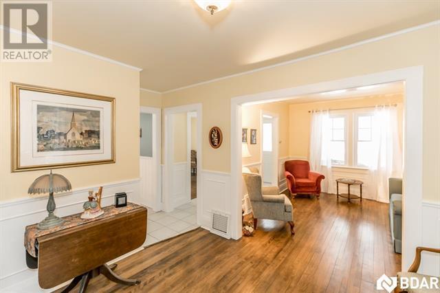 Real Estate -   18 BAILEY Street, Port Carling, Ontario -