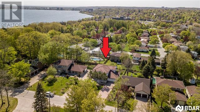 Real Estate Listing   54 PENETANGUISHENE Road Barrie