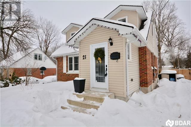 Real Estate -   21 GALLEY Avenue, Orillia, Ontario -