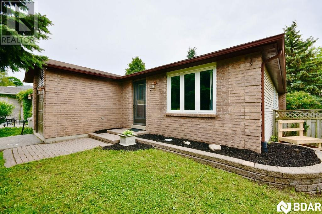 Real Estate -   2 SINCLAIR Court, Barrie, Ontario -
